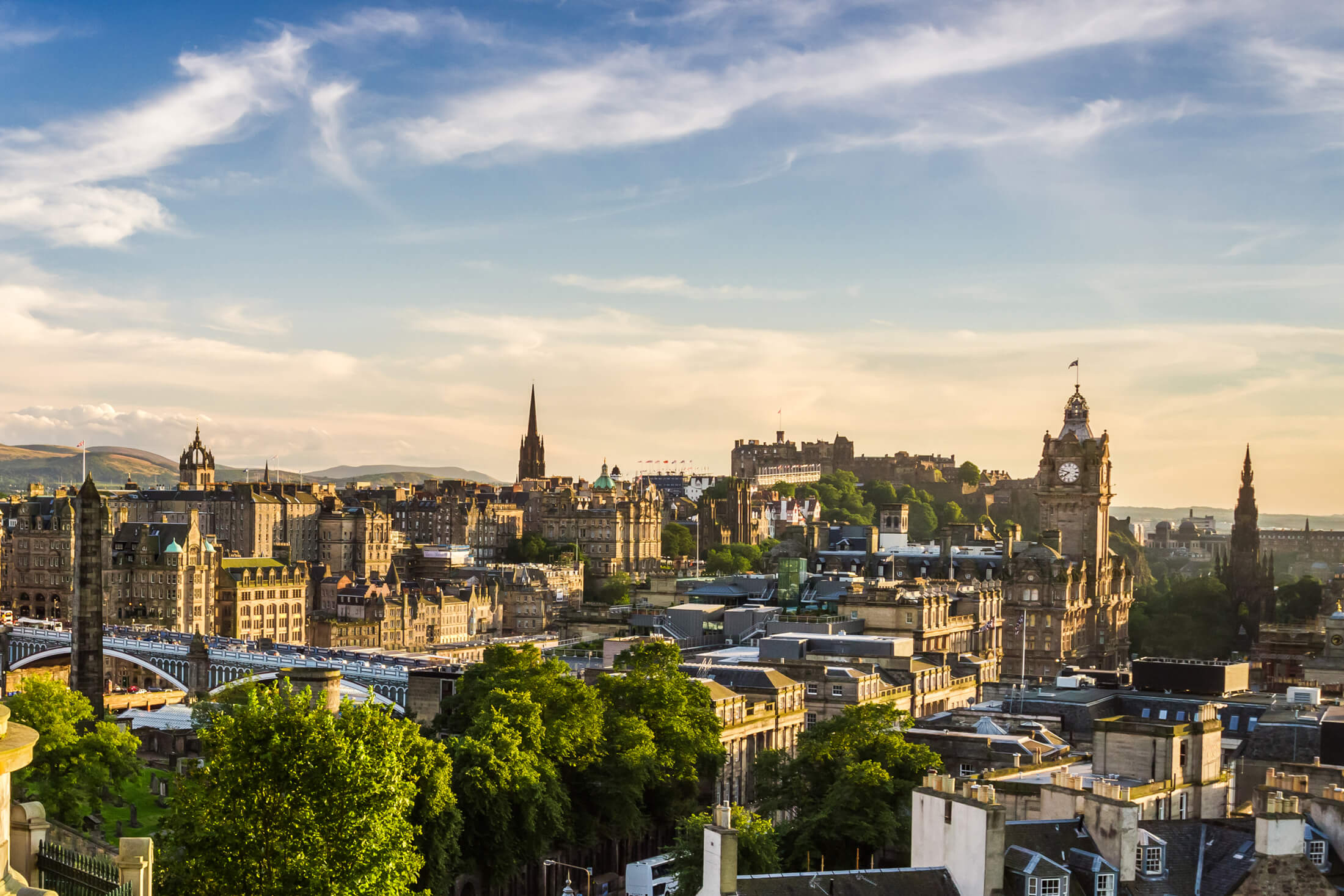 edinburgh_skyline_background